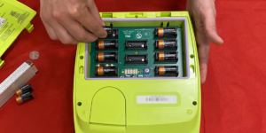 Changing ZOLL AED Plus Batteries - Response For Life