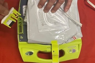 How To Change Pads On ZOLL AED Plus Defibrillator – Response For Life Tutorial